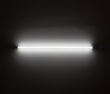 fluorescent lighting turn on