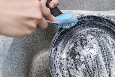 How to Clean T-Fal Frying Pans