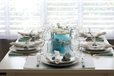 sea style table setting for dinner