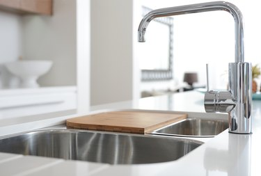 How to Identify Older Grohe Faucets