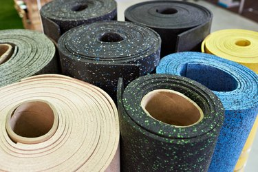 Plastic rubber floor coverings for sport gym