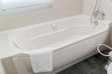 Can You Put a Bathtub Wall Kit Over Old-Fashioned Ceramic Tiles on the Wall?