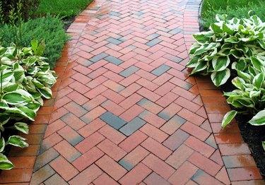 Geometric Design - Brickwalk Landscaping