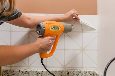 Easy Way to Remove Peel-and-Stick Wallpaper