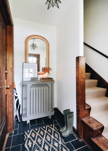Small entryway with mirror designed by Francois et Moi