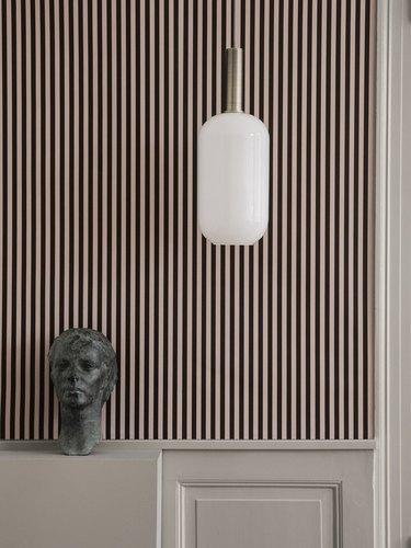 Hallway Wallpaper Ideas in modern hallway with vertical stripes