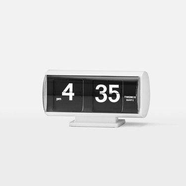Analog flip clock