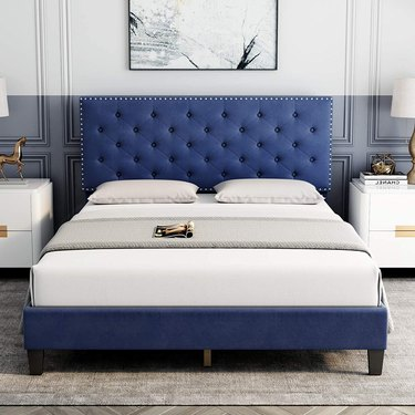 HOMECHO Queen Bed Frame, Modern Upholstered Platform Bed with Headboard, Heavy Duty Bed Frame
