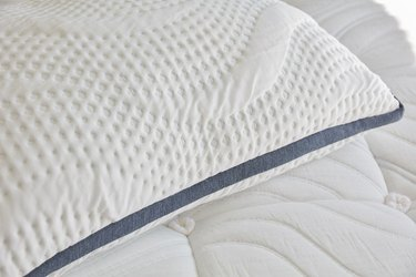 Brentwood Oceano Gel Memory Foam Pillow