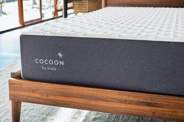 Cocoon by Sealy chill hybrid mattress