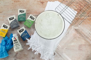 Tie dye materials, including tie dye and ice
