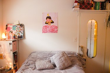 Kim Hoyos' bedroom