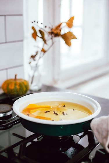 Holiday scented pot simmer recipe