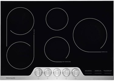 five burner ceramic stovetop by Frigidaire