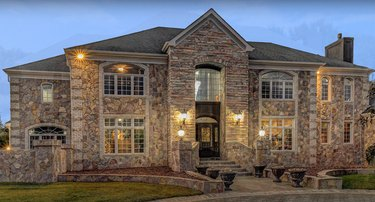 1 Rivers Edge Dr christmas mansion exterior