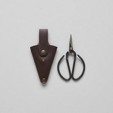 cottagecore holiday gift guide garden shears