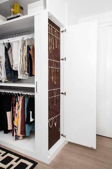 customized closet jewelry organizer idea