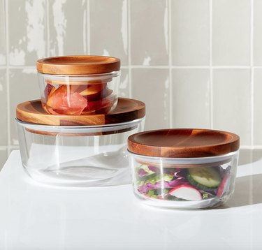 pyrex food storage containers with acacia lids