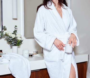 snowe robe
