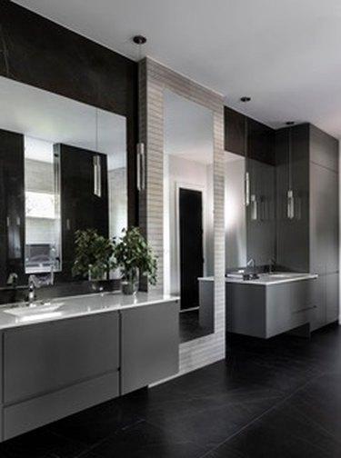 dark painted bathroom ideas