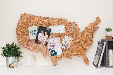 USA-shaped cork board