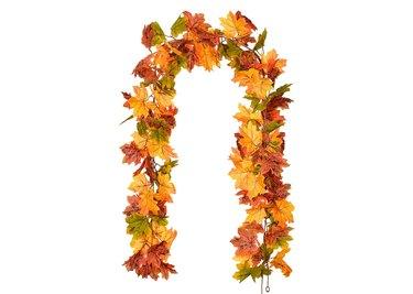 DearHouse Maple Leaf Garland