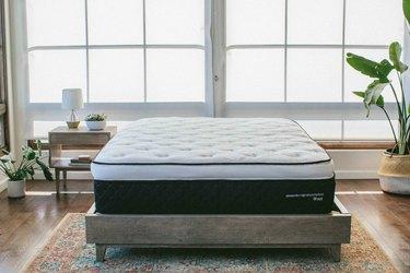 nest bedding hybrid mattress