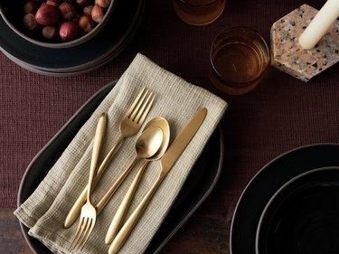 parachute tabletop utensils