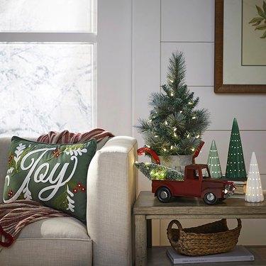 lowe's holiday decor