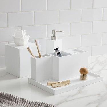 Lacquer Bath Accessories