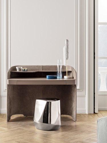 Pianca Chloé Vanity with mirrored stool