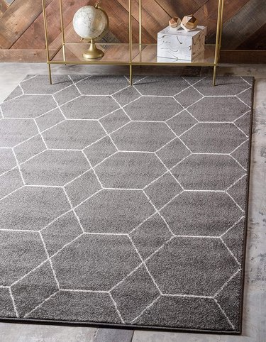 gray geometric area rug