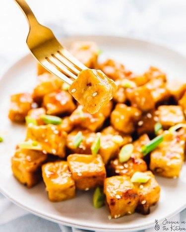 Jessica in the Kitchen Orange Air Fryer Tofu