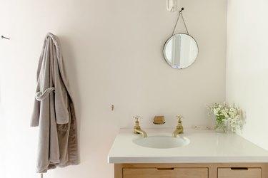The inside guest bath