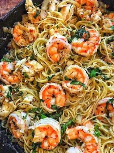 Darius Cooks Quick Lobster and Shrimp Scampi