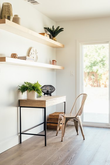 wood flooring and home work desk and chair