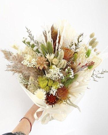 flower arrangement by florabrook