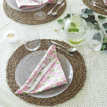ikea inbjuden 2-Pack Napkins in pink and green pattern