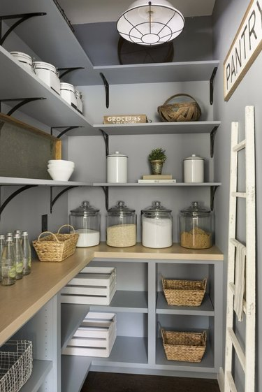 How to Organize a Pantry in Pantry with different sized containers