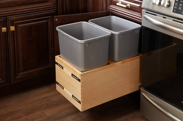 pull-out waste baskets