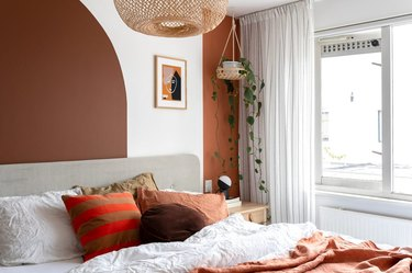 modern fall decor in the bedroom with wall paint