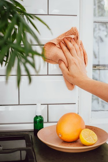 Degrease with citrus essential oils