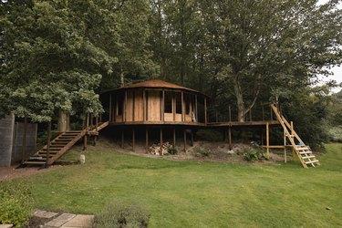 Luxury Garden Treehouse