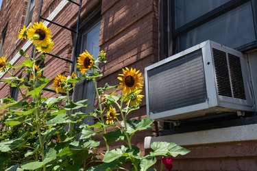 How to Measure a Window for an Air Conditioner