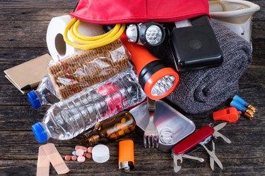 Emergency bag for earthquake