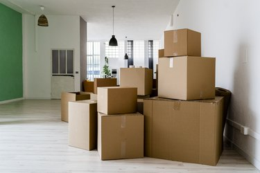 What You Need to Know Before You Hire Professional Movers