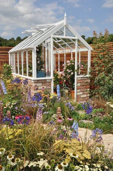 Gardeners' hobby greenhouse
