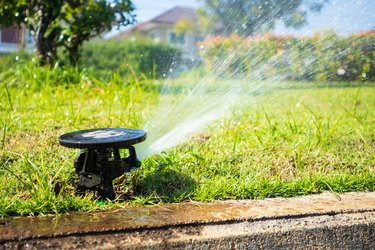 Automatic lawn sprinkler watering grass garden irrigation system