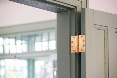 Room door hinges