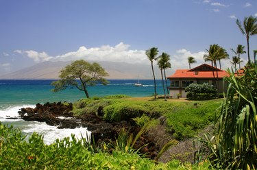 Pacific ocean front vacation house on Maui Hawaii